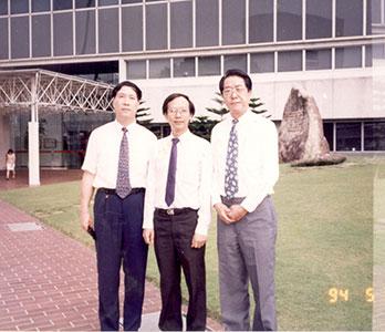走访新加坡国立大学